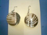 Art handycrafts of Indah creation(Bali)Sea shell earrings